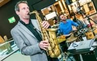 Saxophon und DJ