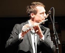 Saxophonist - sax o' conga spielt Lounge, Chillout und Party Musik an Ihrem Event, Hochzeitsmusik, live Musiker für Firmenanlass, Band für Firmenfeier, Hochzeitsband, Apéro, Saxophonspieler